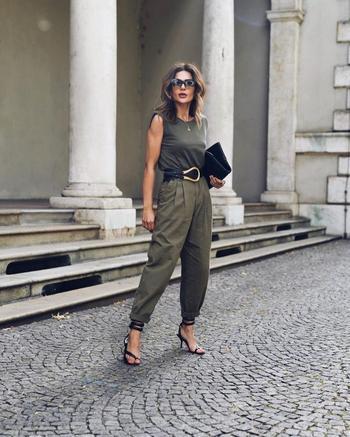 Лучшие сочетания одежды, обуви и украшений для 40-летней модницы
