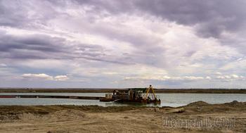 Крым. Озеро Сасык-Сиваш. От серого к розовому