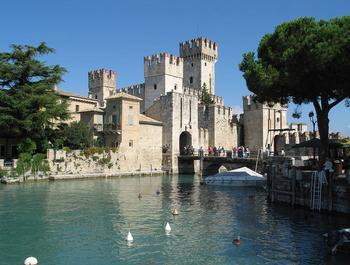 Замок Скалигеров в Сирмионе: средневековый форпост итальянских аристократов
