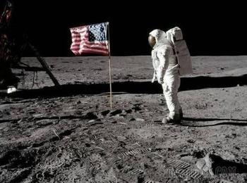 Десять теорий заговоров, связанных с космосом