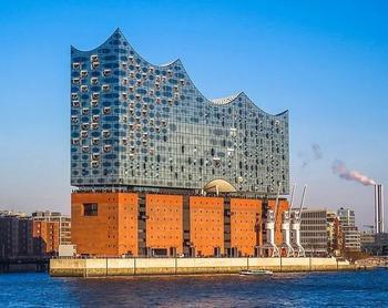 Места, которые обязательно нужно посетить во время поездки в Гамбург