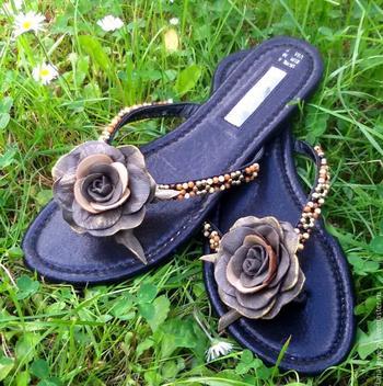 Декор пляжной обуви своими руками