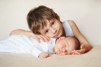 Какой должна быть идеальная разница в возрасте между братьями и сестрами