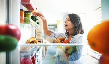 Без всякой химии: 15 средств от запаха в холодильнике