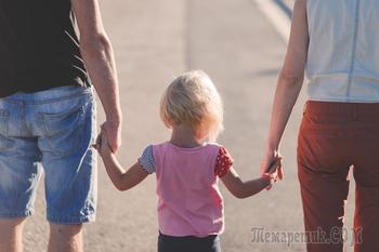 В РПЦ призвали учить школьников семейным ценностям и защите страны
