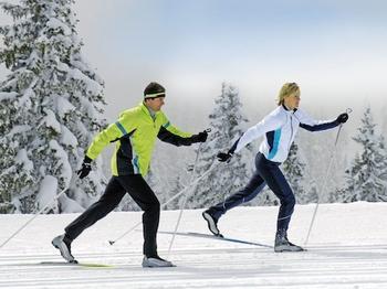 Чем полезна ходьба на беговых лыжах?