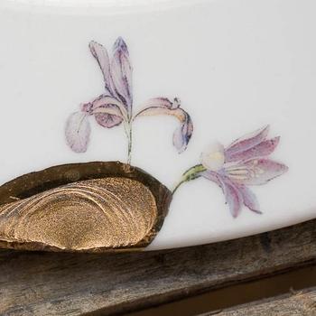 Посуда из треснувшего фарфора