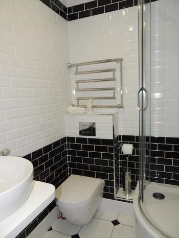 Ванная: из туалета сделали гардеробную и постирочную, унитаз перенесли в ванную