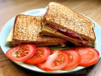 Горячий сендвич с омлетом