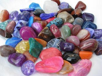 Камни-самоцветы: фото с названиями. Чудо природы в огранке мастеров