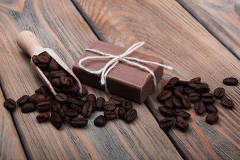 Мастер-класс: как сварить мыло из кофейной гущи