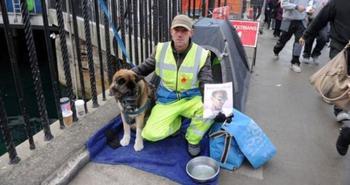 Британский бомж чуть не потерял доход из-за того, что опрятно оделся и завел собаку