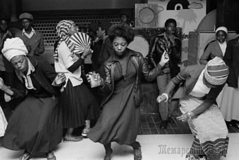Субкультура 70-х, эпоха Маргарет Тэтчер и улицы Токио в социальной фотографии Криса Стил-Перкинса