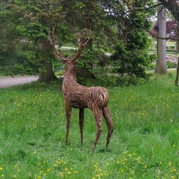Скульптуры из прутьев