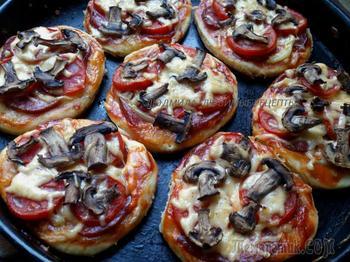 Мини - пиццы и открытый пирог из Танюшиного турецкого теста