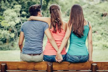 """""""Просто подруга!"""" 5 признаков эмоциональной измены, даже если мужчина все отрицает"""