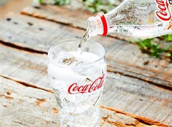 Газировка маршала Жукова: как в СССР появилась бесцветная «Кока-Кола»
