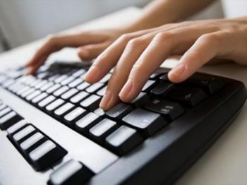 Учёные смогли распознать эмоции людей по тому, как они печатают на клавиатуре