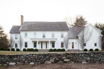 Приятный интерьер загородного дома для семьи в США