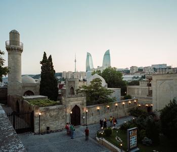 «Сырая джентрификация»: фотопроект о меняющемся облике Баку