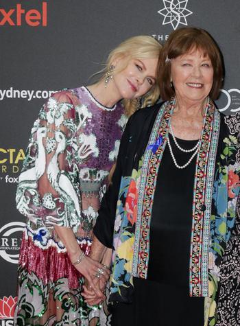 Как одеваются простые мамы самых стильных звезд Голливуда