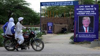 Индийцы согласились переименовать родную деревню в честь Трампа ради 60 унитазов
