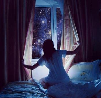 Когда звезды в окне отражаются