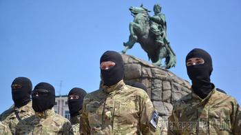 Бойцы «Азова» пригрозили выловить и наказать Порошенко
