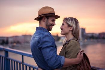 7 вещей, которые никогда не делают счастливые пары