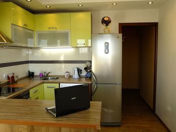 Кухня с эркером и П-образным гарнитуром