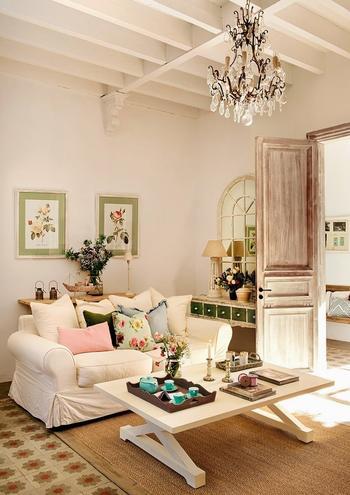 Невероятно женственный и уютный интерьер дома в Испании