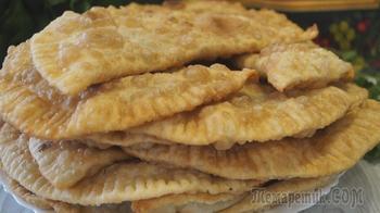 Чебуреки. Самые сочные, тонкие, хрустящие и самое пузырчатое тесто