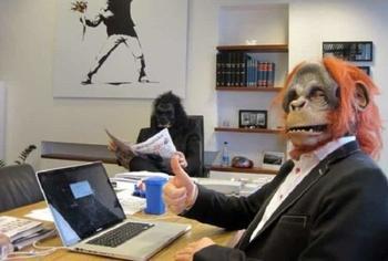 Фотографии о том, как развлекаются офисные работники