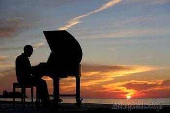 Касаясь клавиш (Стих)