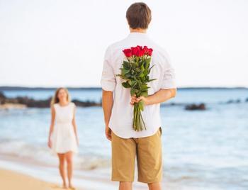Мужчины-романтики по гороскопу: какие знаки Зодиака умеют проявлять чувства