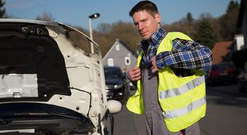 Как вести себя, когда инспектор требует показать светоотражающий жилет, огнетушитель и открыть багажник