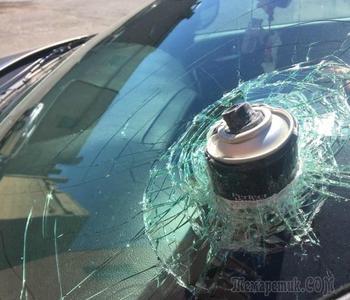 Эксперты рассказали, какие вещи опасно оставлять в машине в летнюю жару и чем это грозит