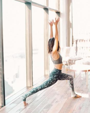 Какая практика йоги нужна вашему Знаку Зодиака