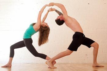 Что такое «йога для двоих»?