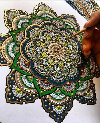 Красочные мандалы от британской художницы Асмахан Мослех