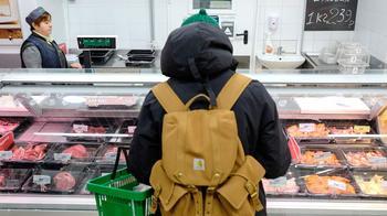 Прием с пищей: производители колбасы и сосисок предупредили о подорожании продукции