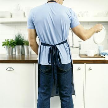 Он делает это так: мужские способы уборки