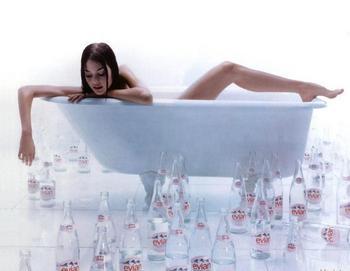 5 веских причин, почему дома у красавиц всегда есть газированная вода