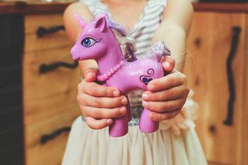 Как отучить ребенка клянчить раз и навсегда: советы родителям