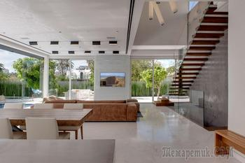 Роскошный интерьер двухэтажного дома