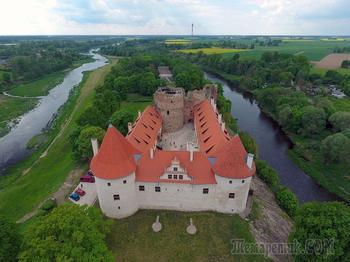 Латвия – страна, отметившая своё 100-летие. Часть 1. Бауска и её замок