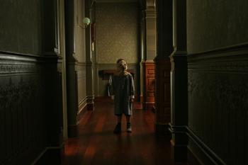 В темноте кто-то есть. Родители поделились леденящими кровь фантазиями своих детей