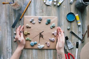 Часы своими руками: подробная инструкция по созданию стильных навесных часов
