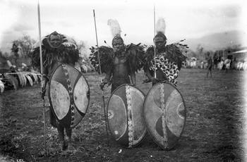 Самые агрессивные племена планеты, с которыми лучше не встречаться туристам