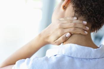 Шейный остеохондроз: лечение по Бубновскому в домашних условиях